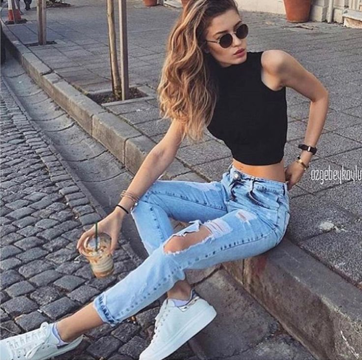 45 Sexy Ripped Jeans Outfit Celebrity Street Style Ideas