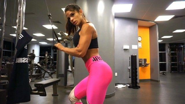 PERFECT ARMS: #triceps!PART3⃣ Para brazos perfectos: triceps! Parte3⃣ Outfit: see link in my bio Leggings: vean el enlace en mi pagina Music: #EricPrydz
