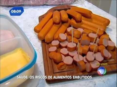 Doutor Bactéria alerta para os perigos de alimentos embutidos
