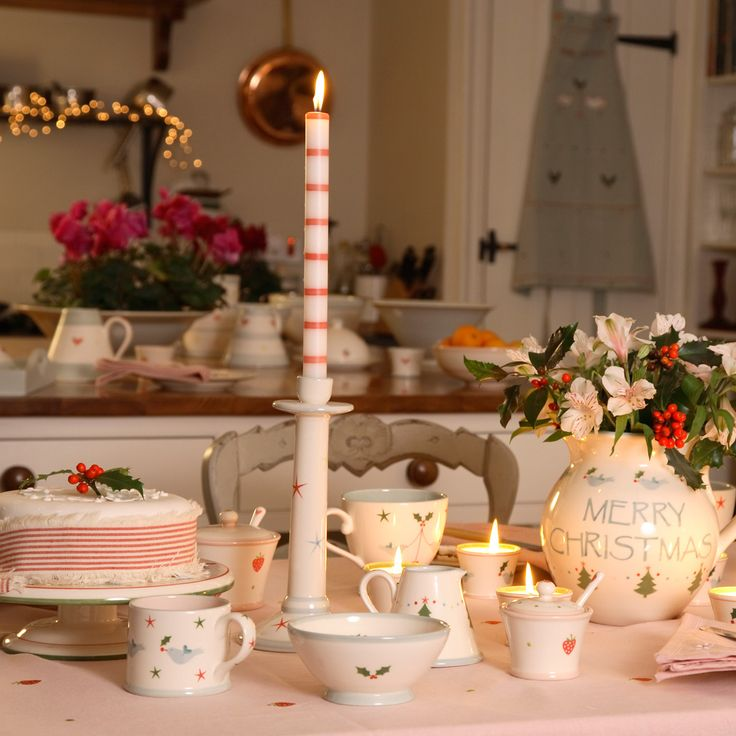 CHRISTMAS TABLE SETTINGS | Holly Small Bowl | Susie Watson Designs