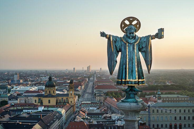 münchner kindl auf dem rathausturm