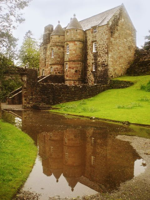 Rowallan Castle in Ayrshire which served as one of Mackintosh's influences for the design of Scotland Street School.