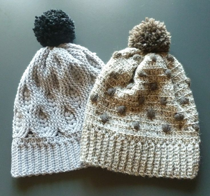 Freezing days here in Italy and I made my head a gift with these two beautiful beanies. I called them the 'wheat & cookie beanies', aren't they funny?