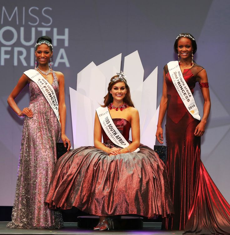 Loud cheers were also given to the runners-up, 1st Princess Ziphozakhe Zokufa from the Eastern Cape, and 2nd Princess Matlala Mokoko from Limpopo.  Jack Friedman Jewellers designed and manufactured the Palesa crown from Platinum mined and sponsored by Anglo American Platinum