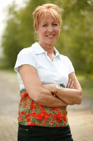 Lut Hannes (June 25, 1964) Belgian actress, o.a. known from the series 'Wittekerke', 'Thuis' and 'Flikken'.
