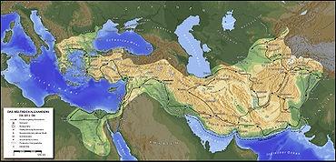 L'époque hellénistique est le nom que l'on donne à la période qui suit la conquête d'une partie du monde méditerranéen et de l'Asie par Alexandre le Grand jusqu'à la domination romaine. Elle est relativement méconnue, si l'on excepte les figures d'Alexandre et de Cléopâtre, et souvent considérée comme une période de transition, parfois même de déclin ou de décadence, entre l'éclat de l'époque classique grecque et la puissance de l'Empire romain. Cependant la splendeur des villes, telles…