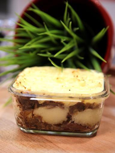 muscade, poivre, échalote, cuisse de canard, crême fraîche, lait, pomme de terre, oignon, sel
