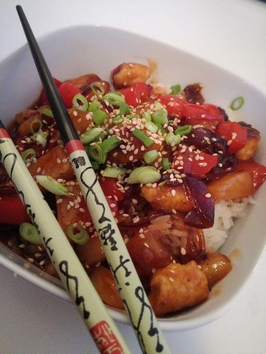 Hähnchen süß-sauer wie beim Chinesen, ein raffiniertes Rezept aus der Kategorie Reis/Getreide. Bewertungen: 198. Durchschnitt: Ø 4,8.