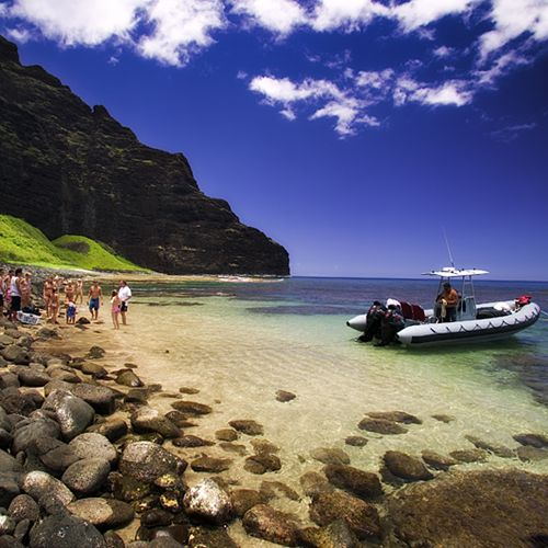 Napali Raft Tours are a fun and adventurous way to experience NaPali Coast up close and personal. Snorkel tours, sightseeing tours and whale watching tours.
