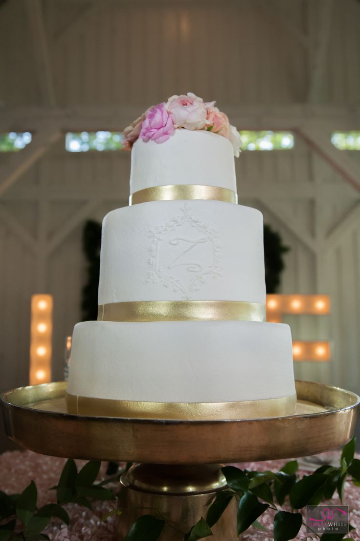 7 best Wedding Cakes images by Simply White Photo on Pinterest ...