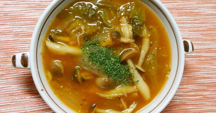 しめじとレタスに、コンソメとケチャップで簡単なスープです(^^)♡ ランチや洋食の、あと一品に♪