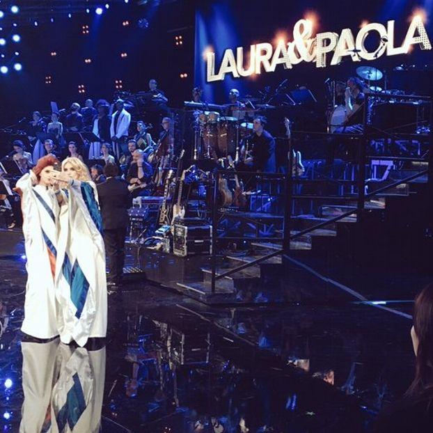 Paola #Cortellesi e Laura #Pausini nello show su raiuno #LauraEPaola