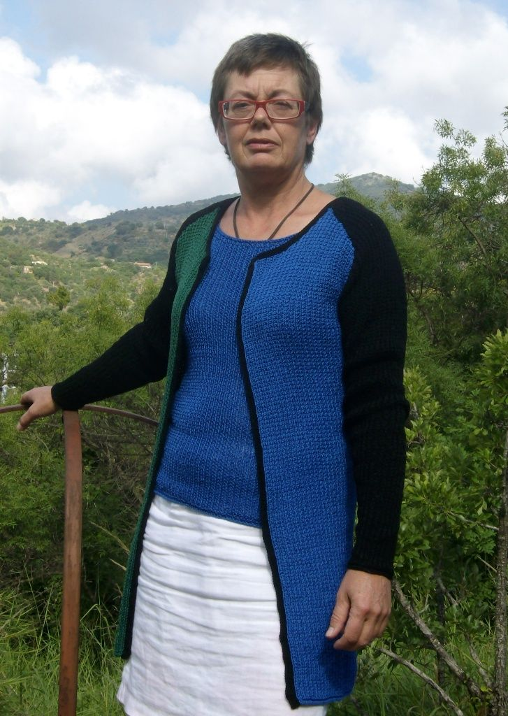 Knitting patterns for cardigans from domoras