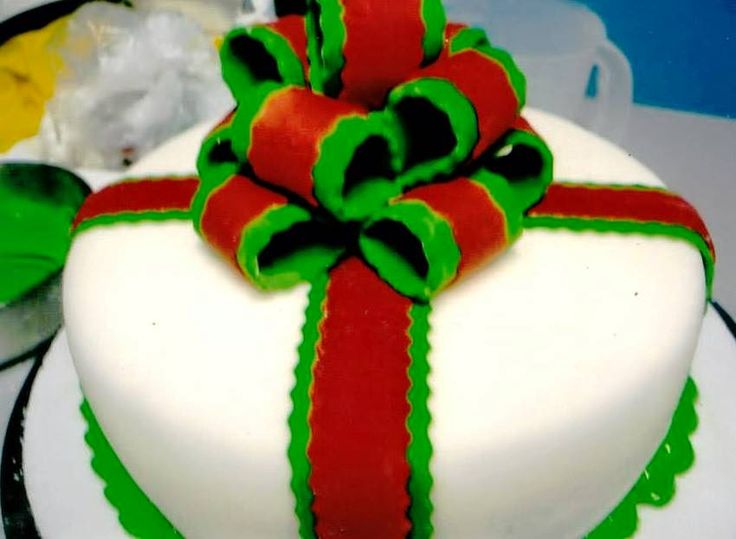 D' Glori: Torta Regalo