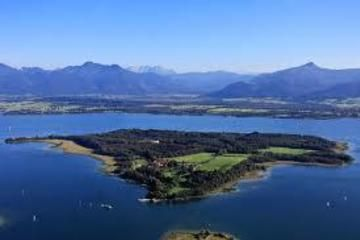 Small-Group Lake Chiemsee And Royal Palace of Herrenchiemsee Day Tour from Munich by Train - Munich | Viator