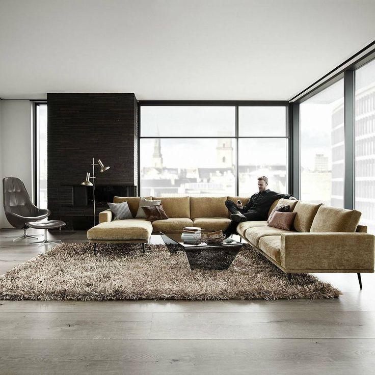 Вдохновением для изящного дивана Carlton послужила мебель из 60-х и 70-х годов. Carlton создаст ретро атмосферу в вашей гостинной, которую по достоинству оценят ваши гости.  На этом угловом диване с легкостью разместиться вся семья! Он станет самым любимым местом в доме. На этом комфортном диване с козеткой можно уютно устроиться с книжкой, вздремнуть или расположиться большой компанией.  Вы никогда не пожалеете о своем выборе! Оформить бесплатный заказ на выезд дизайнера, получить каталог…
