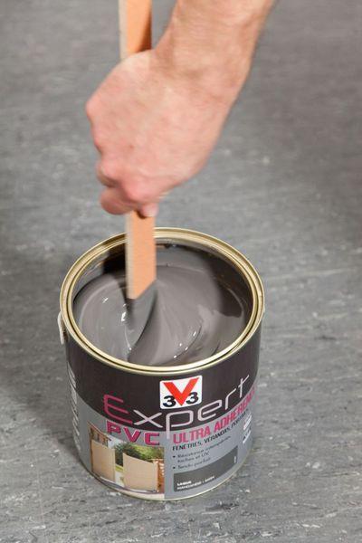 Atelier peinture : repeindre une porte d'entrée PVC