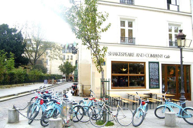 HiP Paris Blog, Shakespeare & Company Café neighbors the famous bookstore of the same name.