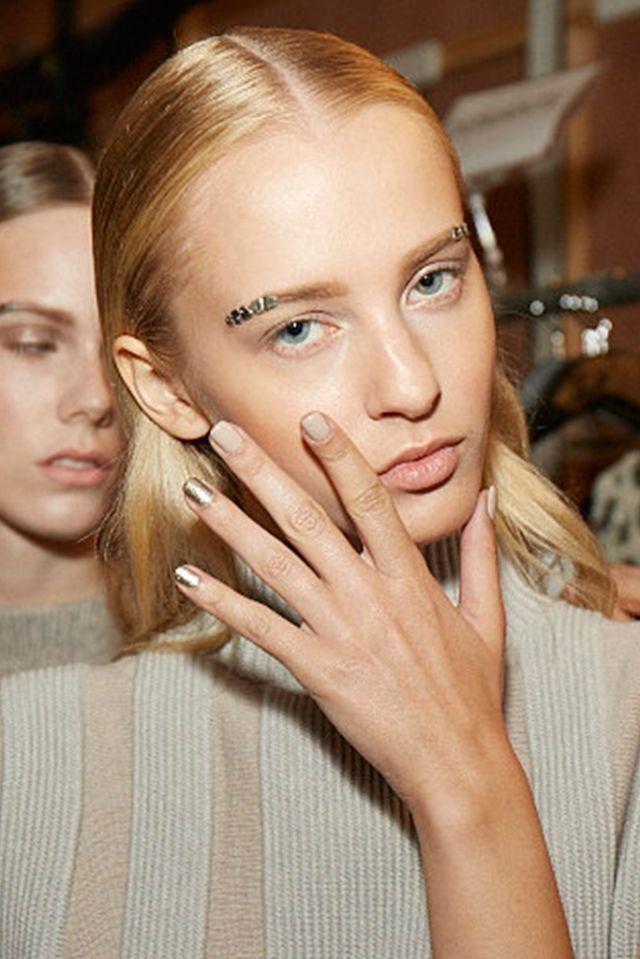 Sally LaPointe. ESMALTES DE MODA PRIMAVERA-VERANO 2016   Confesiones de una Casual Girl   #beauty #fashion #nails #spring2016 #summer2016 #manicures #belleza #manicuras #moda