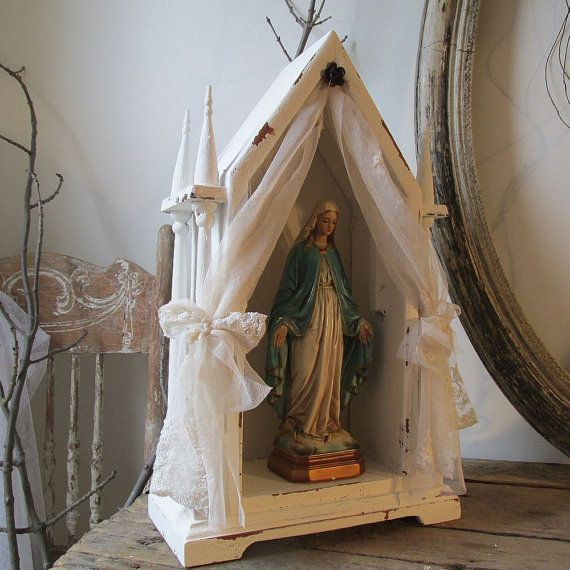 Wood Display Showcase With Mary Statue French Nordic White
