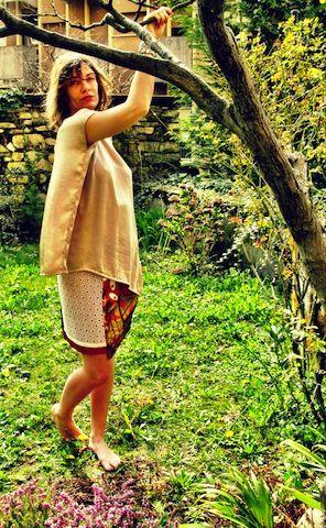 Camicia susanna, realizzata patchwork in raso di seta con intervento in pizzo sulla schiena euro 85,00  Gonna Ghent, realizzata patchwork in seta, raso, pizzo euro 170,00euro