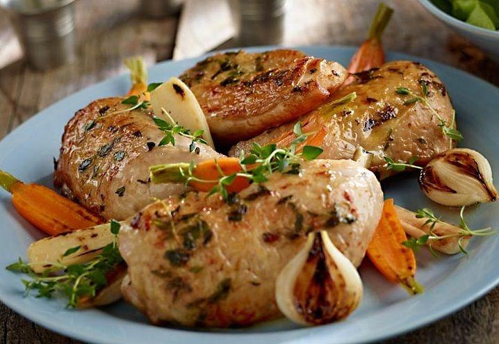 Pieczony kurczak z ziołami prowansalskimi i cytryną