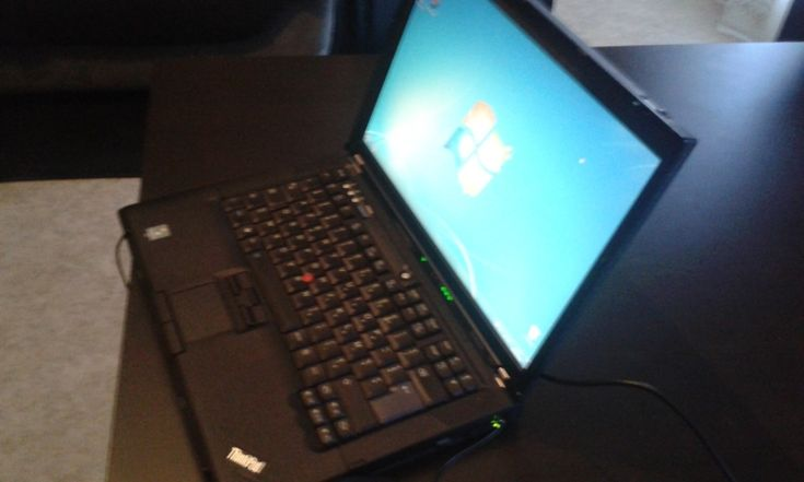 Location Pc Portable Lenovo Nancy (54000) Cet ordinateur portable profite ainsi d'un processeur Intel Core 2 Duo T8100 de dernière génération et de 2 Go de mémoire. De plus, ce modèle est doté d'un graveur DVD.