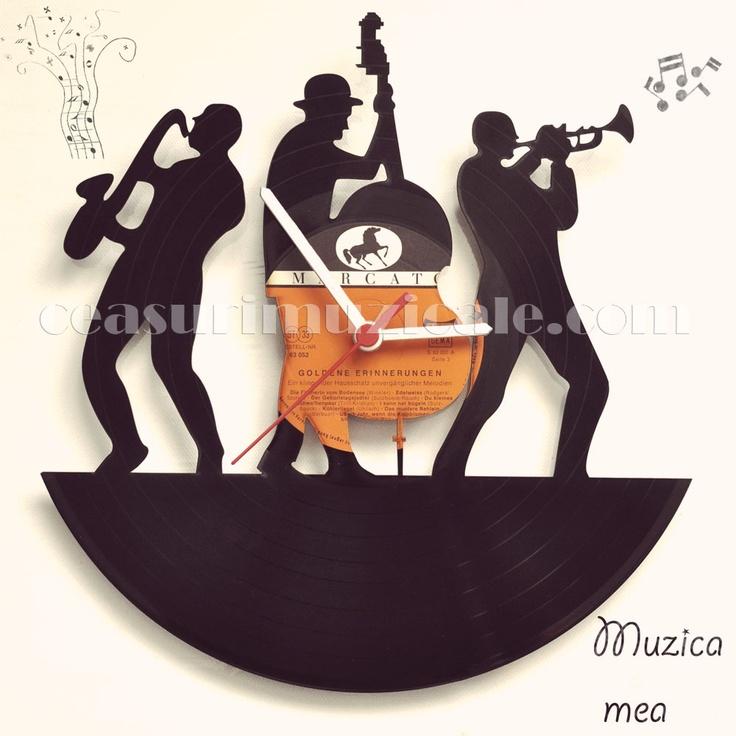 Muzica mea - ceas perete decupat (90 LEI la CeasuriMuzicale.breslo.ro)