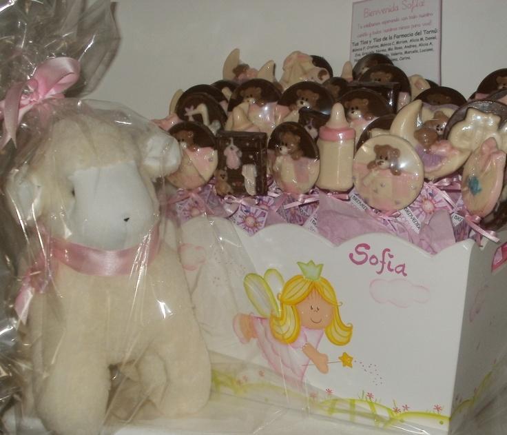 Chocolates para el nacimiento de Sofia en la Trinidad de Palermo con oveja grande