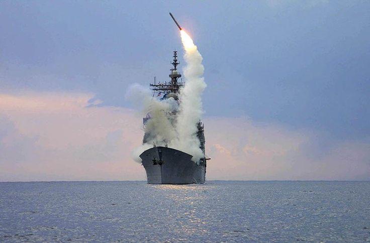 Bản thân các biến thể Tomahawk của Hải quân Mỹ đều được triển khai trên hai nền tảng chính đó là từ các tàu khu trục hạm mang tên lửa và các tàu ngầm tấn công hạt nhân. Và tàu chiến hiện đại nhất của Mỹ hiện nay là USS Zumwalt dĩ nhiên cũng được trang bị Tomahawk.