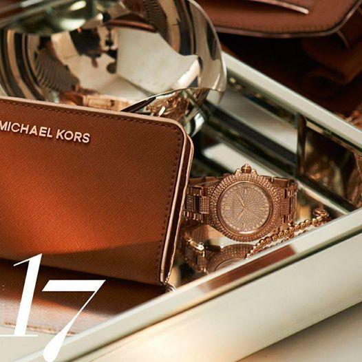 Michael Kors Wallet outlet http://michaelkorshandbagslove.blogspot.com/