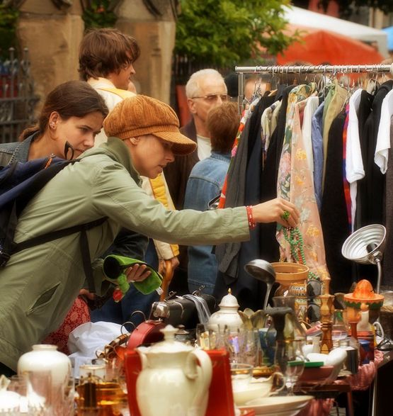 Luikse markt Wahwiller:  This two-day market takes place in Wahlwiller, municipality of Gulpen-Wittem stretches back half a century.  Vendors offer a great variety of antiques, vintage items and second-hand goods.  Next market:  5 -6 August 2017.