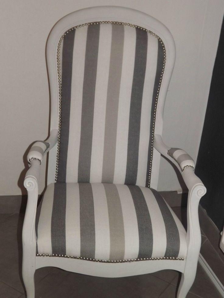 2 beaux fauteuils Voltaire... coloris à voir, dans les beige, taupe, rouge...!