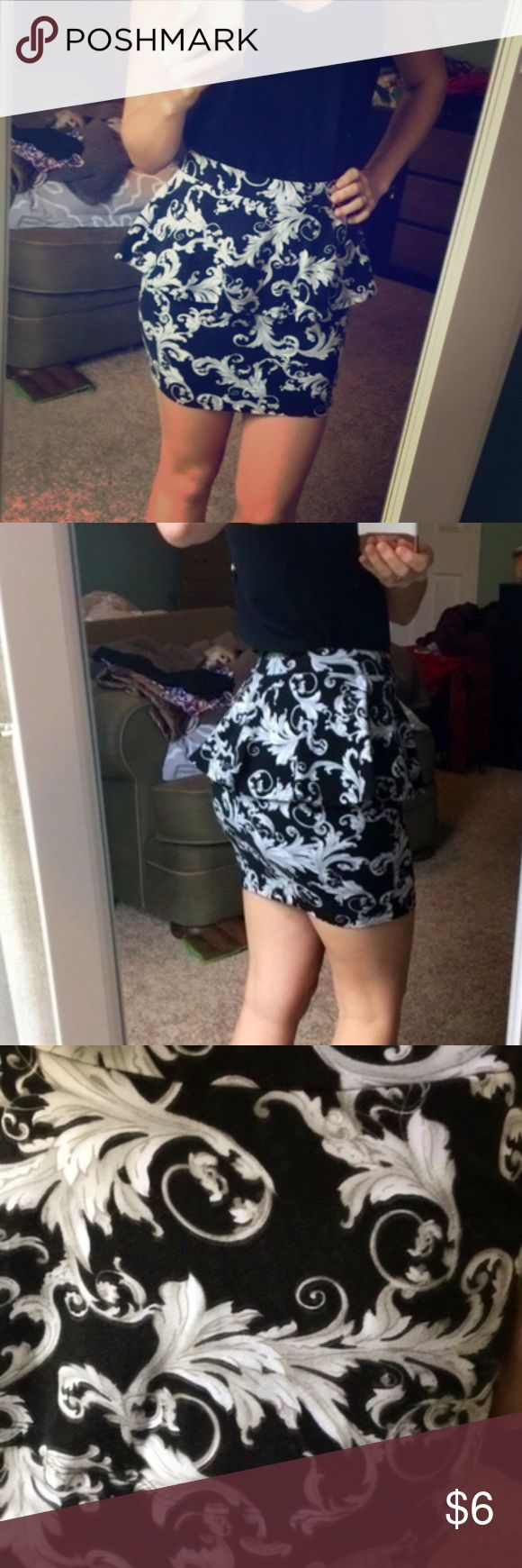 Black and white damask pattern peplum skirt Super cute form fitting damask pattern peplum skirt from forever 21. Great for nights out Forever 21 Skirts Mini