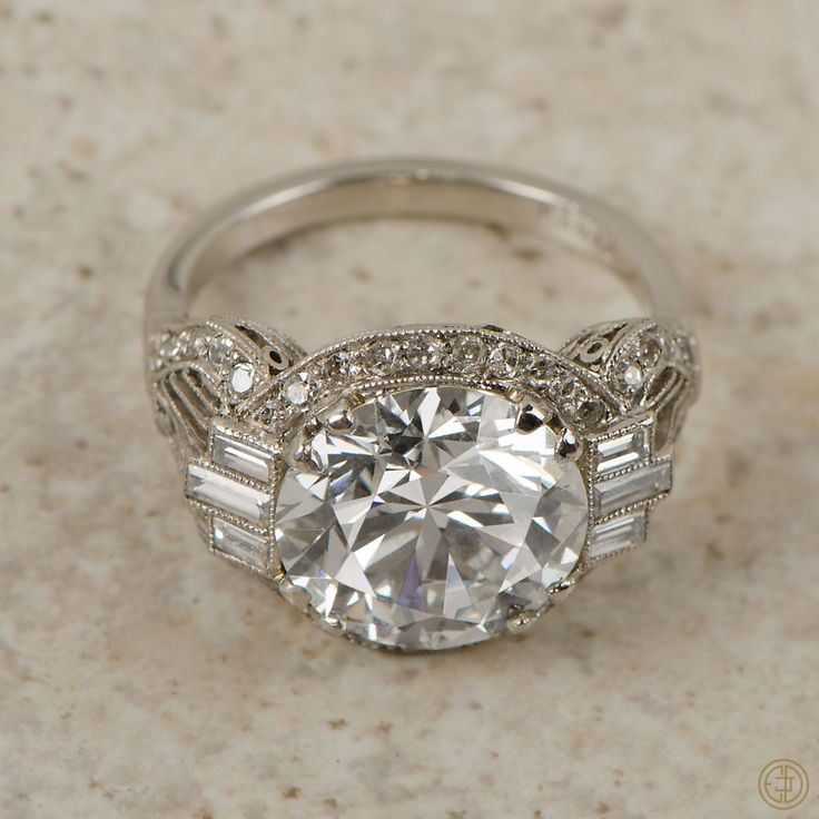Estate Diamond Jewelry : Photo