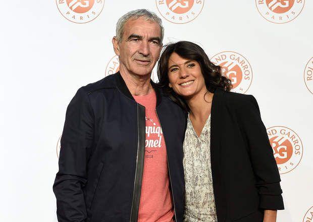 Estelle Denis et Raymond Domenech se rencontrent sur des plateaux de télévision en 2002