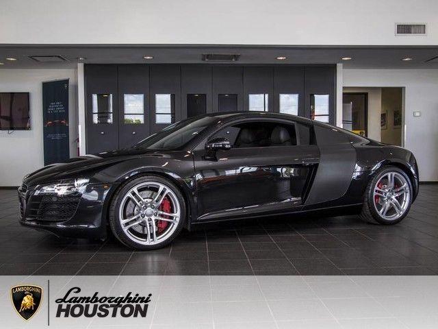 Car brand auctioned:Audi R8 Manual 2009 Car model audi r 8 4.2 manual nav carbon fiber 19 wheels red calipers alcantara