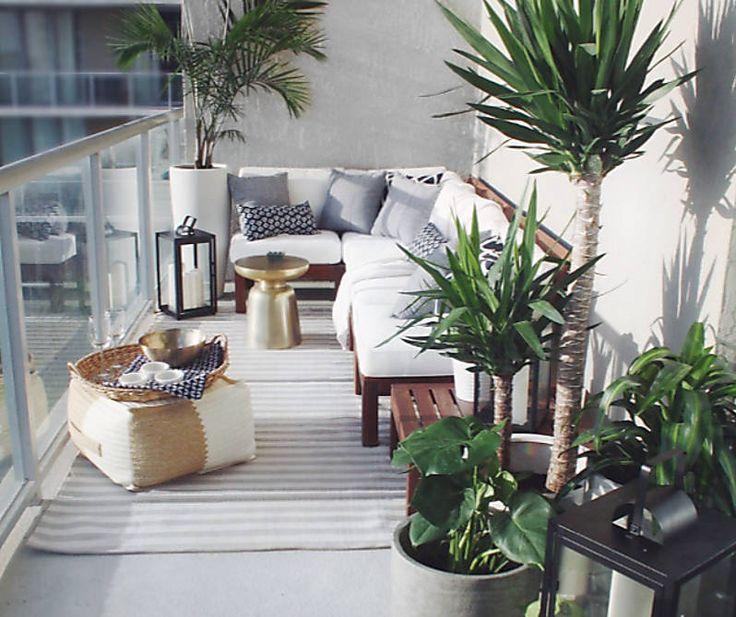 A Small Balcony Design That Maximizes A Corner Modular