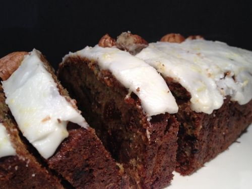 Zucchini and Fig Cake - You'll love this moist, dense, sweet cake, full of green zucchini.  More than just carrots can be baked in a cake! Try for afternoon tea today.  Recipe kidsveges.com