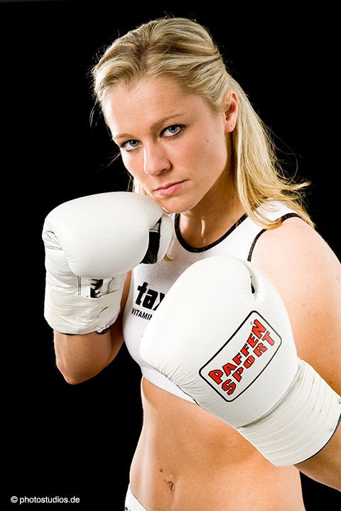 elina tissen germany boxing womenboxing boxinggirl femaleboxing frauenboxen frauboxen. Black Bedroom Furniture Sets. Home Design Ideas