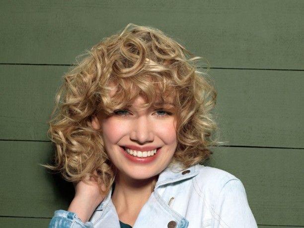 #tagli, #acconciature per i #capelli #ricci  http://www.veraclasse.it/articoli/bellezza/capelli/tagli-di-capelli-ricci/9441/