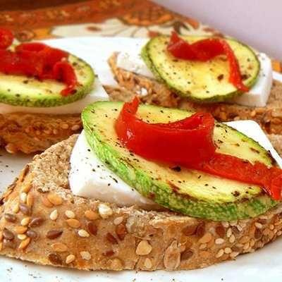 Tapa de verduras y queso fresco Tapas españolas: ¡fáciles y deliciosas!   Recetas de Cocina