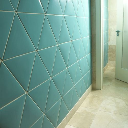Ceramic wall tile plain color triangles en couleur n 131 for Carrelage slim tile