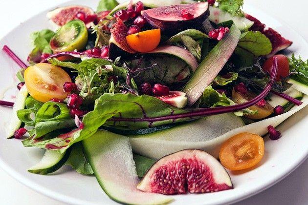 Wildsalat mit Feigen & Granatapfel  - sieht grandios aus!
