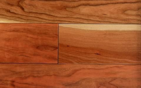 Plancher bois franc de cerisier