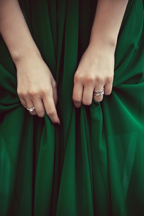 Been dying to find the perfect emerald green dress since my homecoming days!