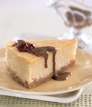 Mascarpone Cheesecake with Candied Pecans and Dulce de Leche Sauce ...