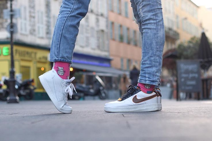 """""""•  It was Love at First sight   • @baronandre @happysocksofficial #HappinessEverywhere #happysocks #socks #nousonfaicale13 @vegaalex ❤️❤️❤️ //  by…"""""""