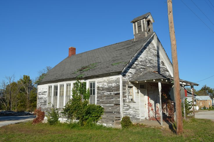 Phelps School in Lawrence County, MO on historic Route 66. (Robert McCormick)