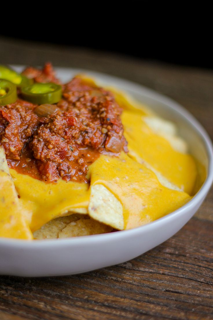 Vegan Chipotle Chili Cheese Nachos